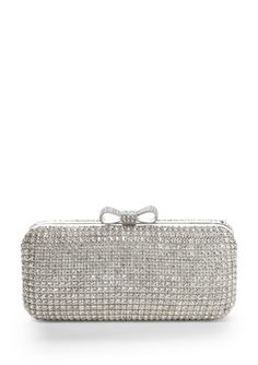 Putting a bow on this clutch = perfection!