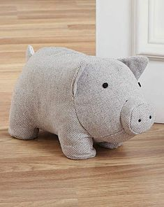 Fabric Animal Door Stop Fabric Toys, Fabric Yarn, Fabric Crafts, Doorstop Pattern, Softie Pattern, Pig Crafts, Fabric Animals, Door Stopper, Easy Sewing Patterns