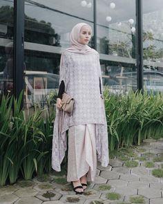 Kebaya Hijab, Kebaya Dress, Hijab Dress, Hijab Outfit, Dress Outfits, Kaftan Batik, Batik Kebaya, Muslim Fashion, Hijab Fashion