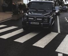 Shared by 𝕱𝖚𝖈𝖐 𝖚𝖕. Find images and videos about black and car on We Heart It - the app to get lost in what you love. Mercedes G Wagon, Mercedes Amg, Mercedes Benz G Class, My Dream Car, Dream Cars, Fancy Cars, Cool Cars, Lux Cars, Car Goals