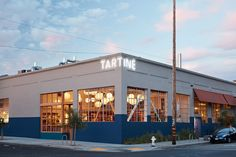 Tartine Manufactory in San Francisco / Commune Design Restaurant Signage, Shop Signage, Restaurant Design, Cafe Signage, Restaurant Exterior, Bakery Design, Cafe Bar, Exterior House Colors, Exterior Design