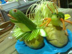 decoración con frutas talladas