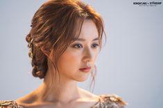 [Kim Jiwon] Tanya is back! Female Actresses, Korean Actresses, Korean Actors, Instyle Magazine, Cosmopolitan Magazine, Lee Bo Young, Bridal Mask, Yoo Ah In, Kim Ji Won