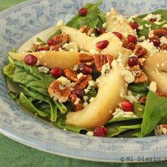 Ensalada de espinacas, peras y nueces Hot Dog Buns, Hot Dogs, Pasta Salad, Cantaloupe, Potato Salad, Menu, Fruit, Ethnic Recipes, Food