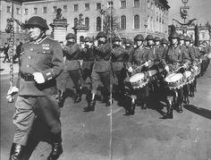 """DDR - Wachregiment. """"Friedrich Engels"""" Mitte der 1980er Jahre Quelle: Google"""