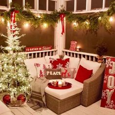 34 Beautiful Christmas Porch Decorating Ideas - Home Decor Ideas Rustic Christmas, Christmas Fun, Christmas Ornaments, Porch Christmas Lights, Christmas Wreaths, Country Christmas Trees, Christmas Entryway, Christmas Island, Christmas Kitchen