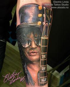"⚡️ElectricLinda⚡️ på Instagram: ""Slash tattoo from this week! Booking: ✉️tattoo@atsoslo.no(+47)22201313 Facebook: attitudetattoostudio Snapchat: attitudetattoos Please Follow: @attitudetattoostudio I use: @intenzetattooink @cheyennetattooequipment @eternalink @stencilstuff @silverbackink #realistictattoo#tattoo#tattooed#tattooart#tattooshop#tattoozlife#inked#norway#oslo#attitude#attitudetattoostudio#thebesttattooartists#inkedmag#inkfreakz#tattooistartmagazine#skinartmag"