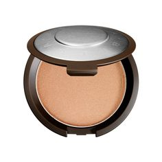 - We love the creamy texture of this powder (crazy, we know) and how natural it looks on our skin.
