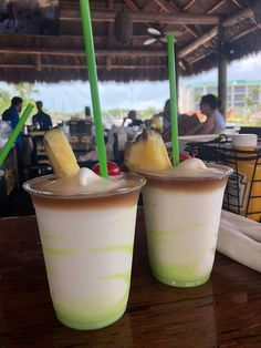 Holiday Drinks, Party Drinks, Cocktail Drinks, Fun Drinks, Cocktail Recipes, Cocktails, Tropical Alcoholic Drinks, Tropical Mixed Drinks, Lime Drinks