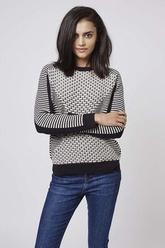 Photo 4 of Monochrome Geometric Patterned Sweater