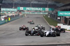 GP MALESIA, 30.03.2014 - Gara, Esteban Gutierrez (MEX), Sauber F1 Team C33 e Valtteri Bottas (FIN) Williams F1 Team FW36