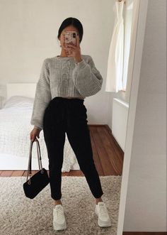 Idée de tenue - Outfit Ideas - Clothes - discover all our jewels and get discount 💖🥰 You are in the right place about outfits with - Cute Comfy Outfits, Casual Winter Outfits, Winter Fashion Outfits, Look Fashion, Fall Outfits, Fashion Women, Cute Everyday Outfits, Parisian Fashion, Bohemian Fashion