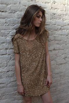 look 6 robe en soie brodée main de sequins et perles or doublure soie 520 €
