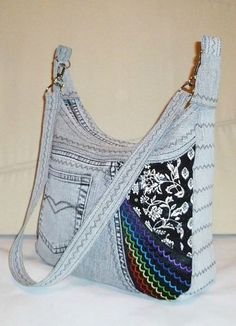 Ideas Sewing Projects Purse Scrap For 2019 Diy Bags Purses, Fabric Purses, Fabric Bags, Artisanats Denim, Blue Jean Purses, Diy Bags Patterns, Sewing Jeans, Sewing Clothes Women, Denim Crafts