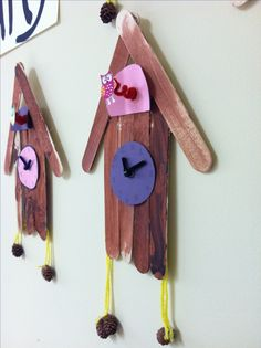 Germany - Cuckoo clock craft idea using popsicle sticks easy enough to reproduce no link though Preschool Crafts, Kids Crafts, Arts And Crafts, Clock For Kids, Art For Kids, Art Children, Projects For Kids, Art Projects, Germany For Kids