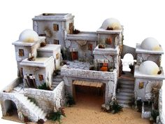 Presepe completo arabo (palestinese) per figure cm 10 e 6,5. Christmas Crib Ideas, Christmas Projects, Christmas Decorations, Holiday Decorating, Diy Nativity, Christmas Nativity, Nativity Scenes, Clay Houses, Stone Houses
