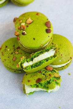 Pistachio Macarons with Pistachio Buttercream These are the BEST Pistachio Macarons you'll ever put in your mouth. The recipe is surprisingly easy and so customizable to any flavor you wish! Stop by and get it today! Pistachio Macaron Recipe, Macaron Flavors, Macaroon Recipes, Pistachio Recipes, Pastry Recipes, Cookie Recipes, Dessert Recipes, Dessert Ideas, Almond Recipes