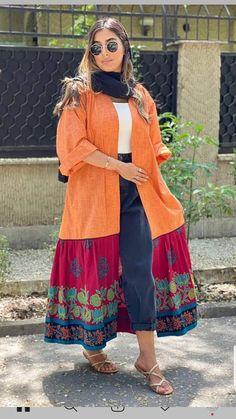 Iranian Women Fashion, Pakistani Fashion Casual, Abaya Fashion, Kimono Fashion, Elegant Dresses For Women, Stylish Dresses For Girls, Stylish Dress Designs, Mode Abaya, Mode Hijab