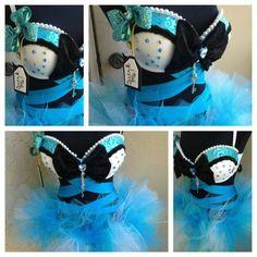 Alice in Wonderland Custom EL.    ^cuuute! looks like fondant
