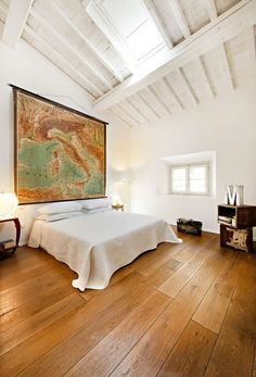 inspiration: beautiful world maps as home decoration | www.grabyourbags.nl