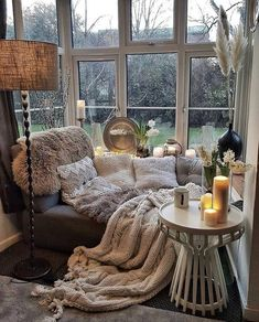Bohemian latest and stylish home decor design and lifestyle ideas -.- Bohemian latest and stylish home decor design and lifestyle ideas – home interior design Cozy Living Rooms, Home And Living, Modern Living, Modern Sofa, Cozy Reading Rooms, Small Living, Corner Reading Nooks, Reading Den, Book Nooks