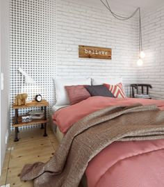 Chambre au style scandinave & girly http://www.homelisty.com/appartement-melange-style-scandinave-industriel/