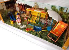 1973 Modella playground. Zo'n set had ik ook bij mijn poppenhuis. Ik heb nu alleen het popje nog over.