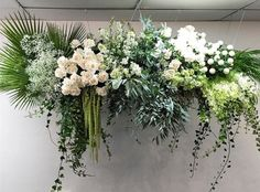 HANGING // Another one of this gorgeous install. Too good not to share twice. Hanging Flower Arrangements, Orchid Arrangements, Hanging Flowers, Wedding Arrangements, Altar Decorations, Flower Decorations, Wedding Decorations, Deco Floral, Arte Floral
