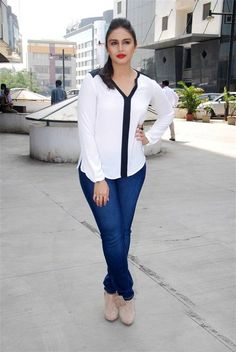 Let's rewind and take a Casual look As Huma Qureshi..!!  #HumaQureshi, #BollywoodActress, #CelebStyle