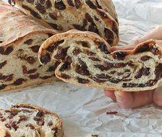 raisin bread // pane morbido con uvetta sultanina #recipe #juliesoissons