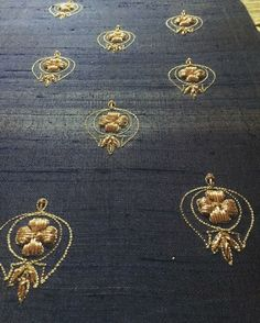 Zardosi Embroidery, Tambour Embroidery, Hand Work Embroidery, Embroidery Motifs, Simple Embroidery, Indian Embroidery, Hand Embroidery Designs, Maggam Work Designs, Crochet Wool
