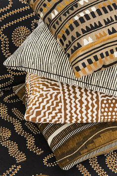 pierre frey origines – love this collection! pierre frey origines – love this collection! African Interior Design, African Design, African Textiles, African Fabric, Pierre Frey Fabric, Ethno Style, Stoff Design, African Home Decor, Style Ethnique