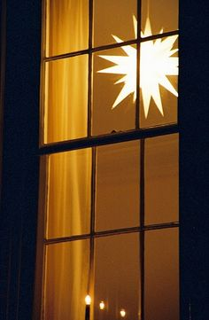 Simply perfect in front of the window #mybrilliantstar #herrnhutstar #moravianstar #decoration