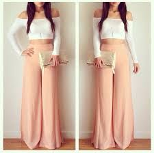 Crop top and maxi pants Source by sakshitorka outfits ombliguera Crop Top Outfits, Cute Outfits, Spring Summer Fashion, Spring Outfits, Spring Dresses, Spring 2014, Summer Outfit, What To Wear Today, How To Wear
