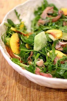 Salada de Rúcula com Presunto, Meloa e Nectarina