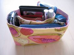 Foldable purse organizer with instructions