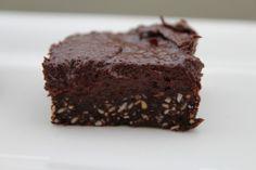 Healthy Raw Food No Bake Vegan Chocolate Brownies!