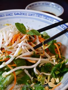 Bun Chay Vegan Vietnamese Vermicelli Rice Noodle Salad | Organize your favourite recipes on your iPhone or iPad with @RecipeTin! Find out more here: www.recipetinapp.com #recipes #vegan