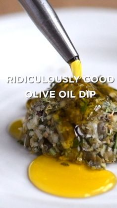 Ridiculously Good Olive Oil Dip Recipe - This easy group-friendly olive oil dip comes together quickly & it never fails. Ridiculously Good Olive Oil Dip Recipe - This easy group-friendly olive oil dip comes together quickly & it never fails. Fingers Food, Healthy Snacks, Healthy Eating, Vegan Recipes, Cooking Recipes, Cooking Games, Vegan Meals, Easy Cooking, Grilling Recipes