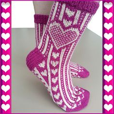 Ravelry: Carved Heart Socks pattern by Ingrid Carré Fair Isle Knitting, Knitting Socks, Hand Knitting, Knit Socks, Heart Patterns, Knitting Patterns, Crochet Patterns, Knitted Heart Pattern, Knitting Accessories