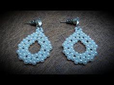Beautiful Pearl and Mostacilla Earrings . Bead Jewellery, Bead Earrings, Beaded Jewelry, Crochet Earrings, Jewelry Sets, Diy Jewelry, Diy Projects To Try, Bead Art, Bead Weaving