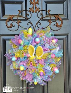 Make your Easter Decorations with dollar store items and save your hard-earned money. Here are 100 easy Dollar Store Easter Decorations that you'll LOVE. Wreath Crafts, Diy Wreath, Wreath Ideas, Jar Crafts, Burlap Wreath, Diy Easter Decorations, Easter Centerpiece, Easter Wreaths Diy, Diy Osterschmuck