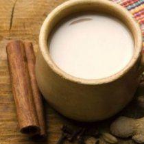 El te chai es energizante por lo cual se recomienda consumir durante la mañana, ayuda a regular el metabolismo y favorece la digestión.