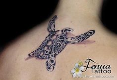 73°) tatouage de tortue polynesienne