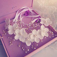 Fashion Wedding Party Women Bride Pearls Flowers Headbands 4844691 2016 – $9.99