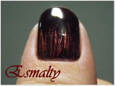 Esmalty: Mani da Semana: filha única + efeito metálico - Ec...