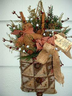 Prim Vintage Quilt Bag Gingerbread Cinnamon Photos and Information in AncientPoint Primitive Christmas Decorating, Prim Christmas, Primitive Crafts, Country Christmas, Homemade Christmas, Vintage Christmas, Christmas Wreaths, Christmas Ornaments, Christmas Images