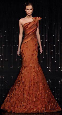 a91bd15a8e I don t usually like a one-shouldered gown. Elegant DressesPretty DressesFabulous  DressesStunning DressesElegant Evening GownsOrange ...