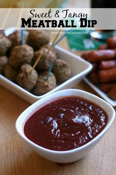 Sweet & Tangy Meatball Dip from Jen's Favorite Cookies - also great with Lil Smokies! Chili Sauce, canned Cranberry Sauce, & Brown Sugar -- Perfect for game day get togethers! Finger Food Appetizers, Appetizer Dips, Appetizers For Party, Appetizer Recipes, Finger Foods, Dip Recipes, Real Food Recipes, Cooking Recipes, Yummy Food