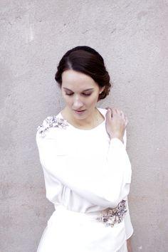 Hombrera y cinturón joya de Logana Tocados y complementos www.logana.es #noviasmalaga @loganatocados